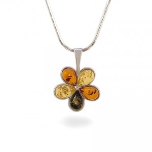 Amber pendant | Sterling silver | Height - 20mm, Width - 15mm | Weight - 1,2g | ZD.1109W