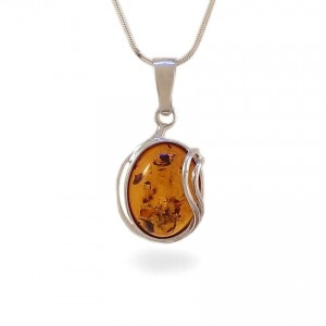 Amber pendant | Sterling silver | Height - 31mm, Width - 16mm | Weight - 2,7g | ZD.962W