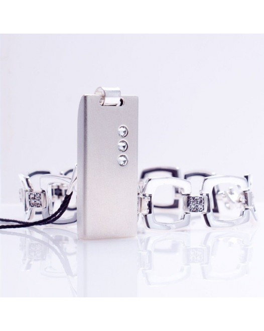 Jewelry USB Flash Drive | USB 2.0 16GB | Sterling Silver | 3 Swarovski crystal | Silver chain | Available in 10 fonts nad Ikons